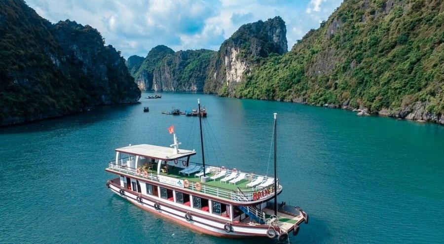 Angthong Marine Park on a ship