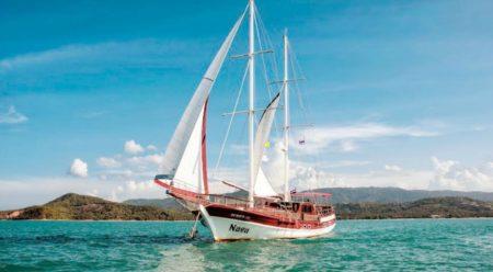 Яхта Нага